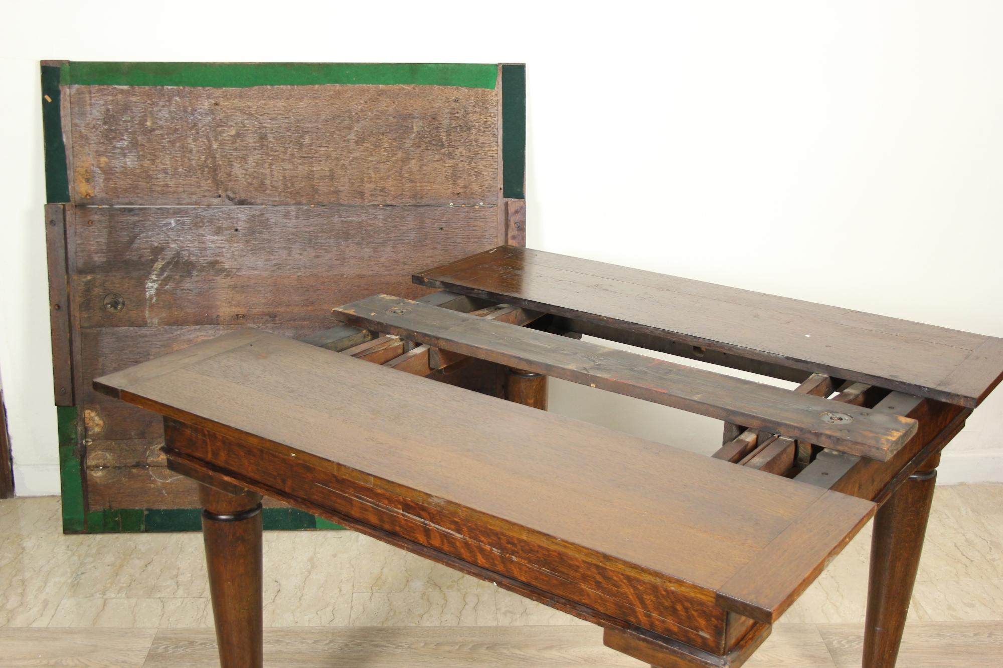 Antico tavolo da pranzo allungabile quadrato in legno di ...