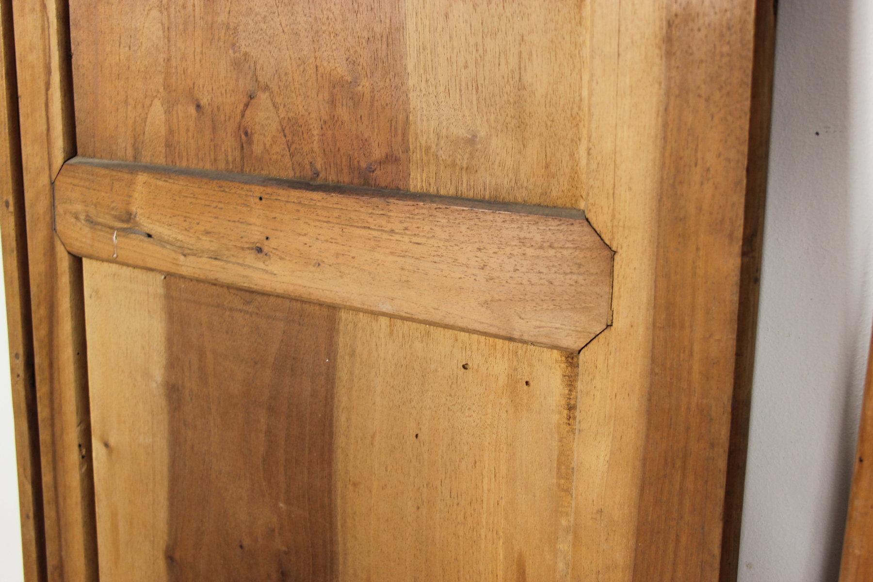 Dettagli su Porta antica in legno a due ante di vecchio mobile noce epoca 800 armadio a muro